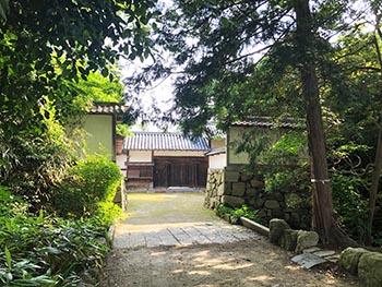 レイカディアえにしの会 活動のようす画像 芦浦観音寺の正門