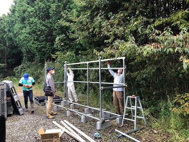こにゃん木の駅プロジェクト準備委員会 活動のようす画像 薪置き棚作り