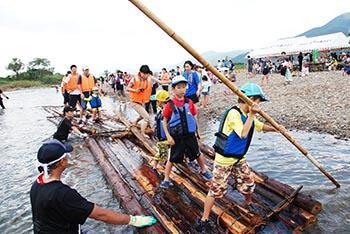 プロジェクト保津川の活動についての画像 筏体験